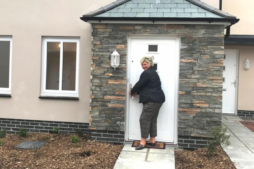A picture of Sharon moves back to her roots with Shared Ownership